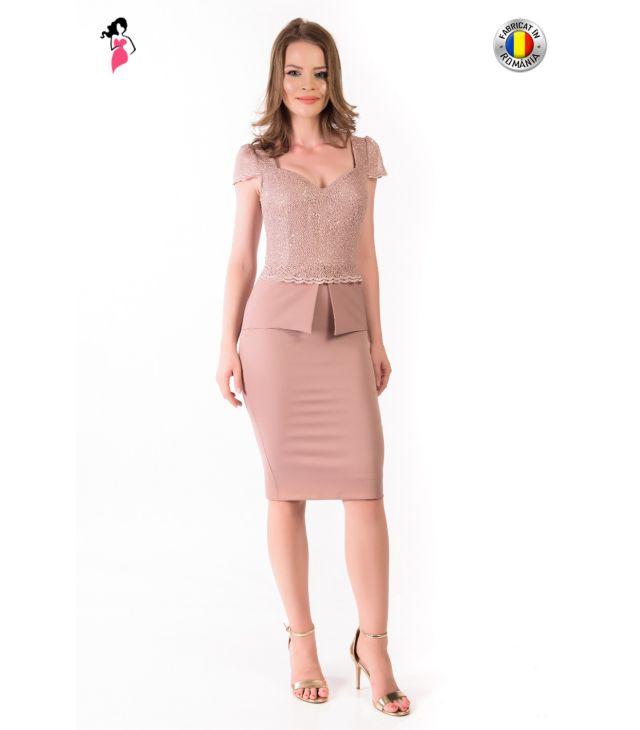 Rochie de ocazie conica de lungime midi de culoare roz pudra